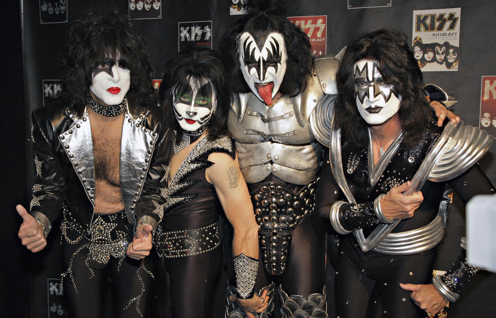 Spend Your Halloween Night with Kiss!! | AnythingHorror.com