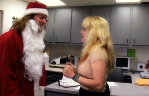 You'd think by now that Linnea Quigley would be very weary of Santa's!!